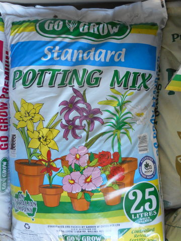 Standard Potting Mix, 25 litre bag